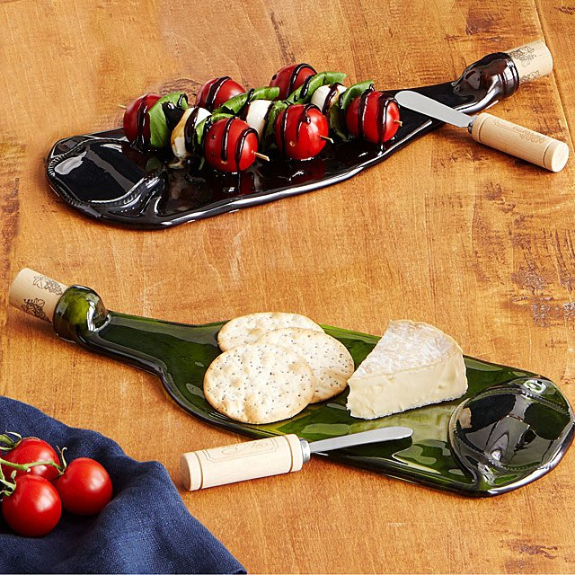 Wine bottle cheese plate with spreader
